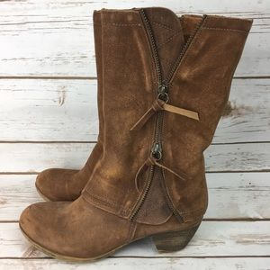 Matisse western boot features exposed zippers